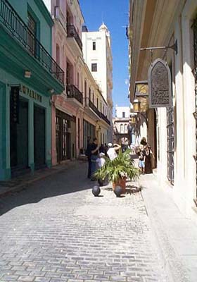 La vida en Cuba: DESMOTANDO CLICHÉS - Página 7 La-habana-vieja