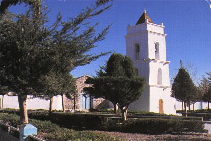 toconao-torre-plaza.jpg