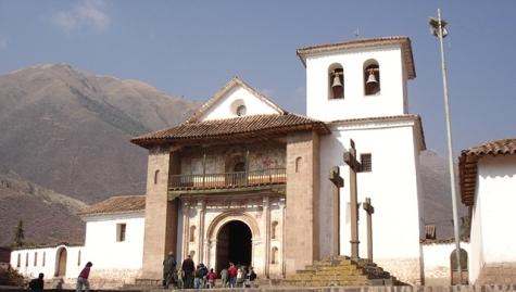 Fachada de la iglesia de Andahuaylillas