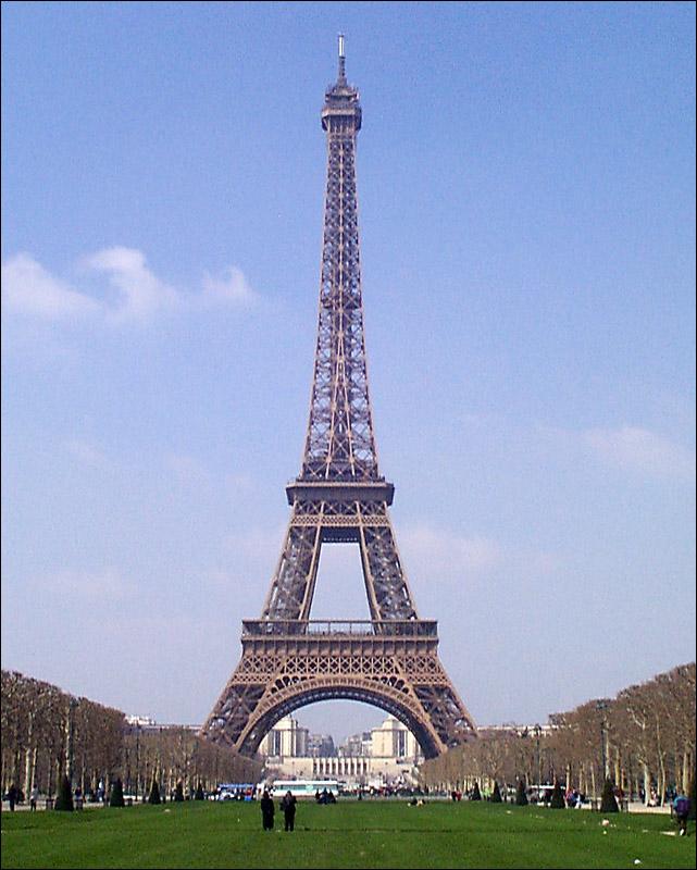Cumpli a os la torre eiffel paraconocer for Quien hizo la torre eiffel