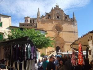 Iglesia y mercado de Santanyí