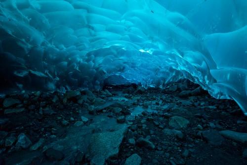 Rocas dentro del glaciar